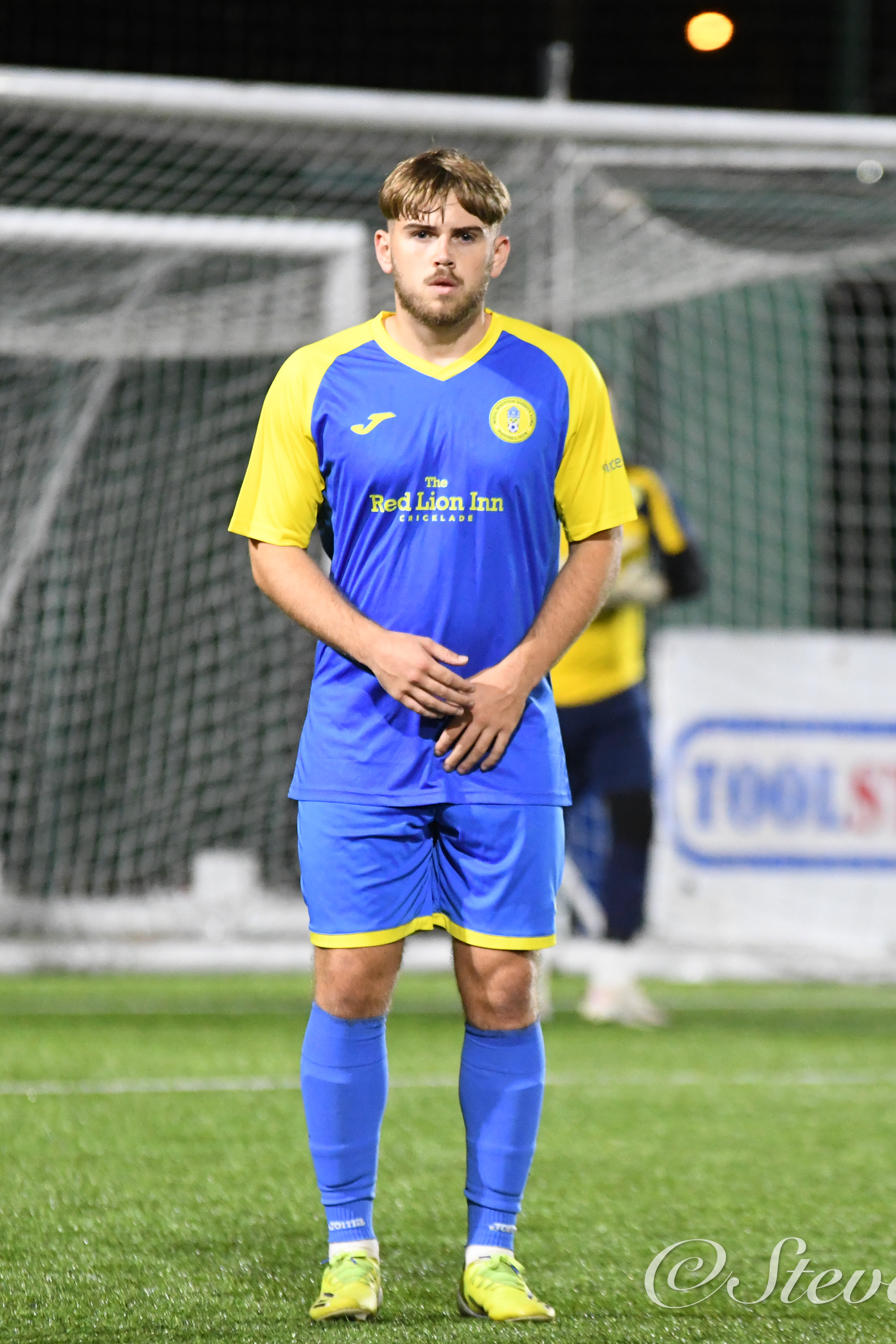 Photographs from Royal Wootton Bassett's 4-1 defeat against Roman Glass St George (Credit: Steve Green)