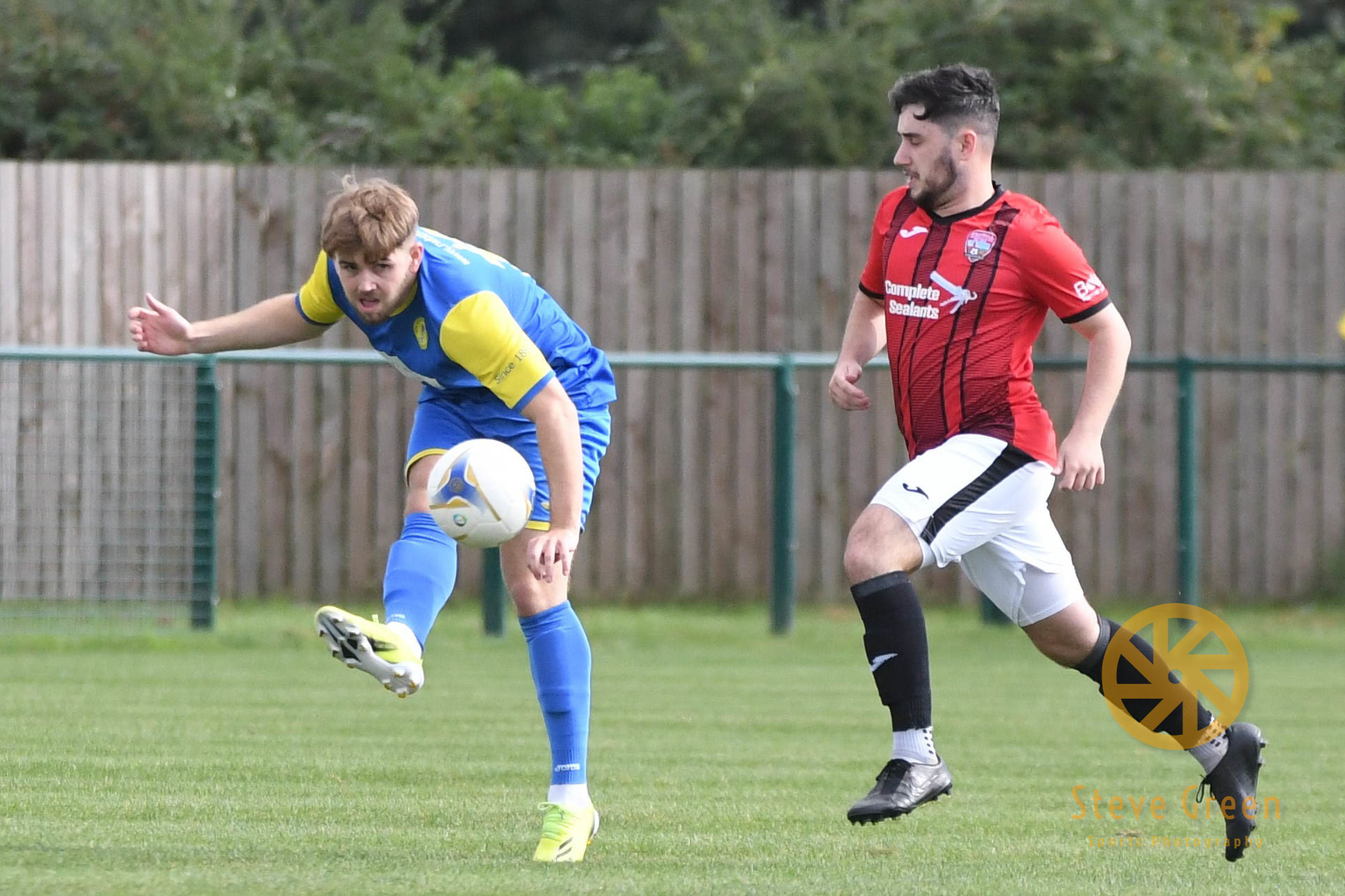 Photos from Royal Wootton Bassett Town's 1-0 FA Vase win over Knaphill (Credit: Steve Green)