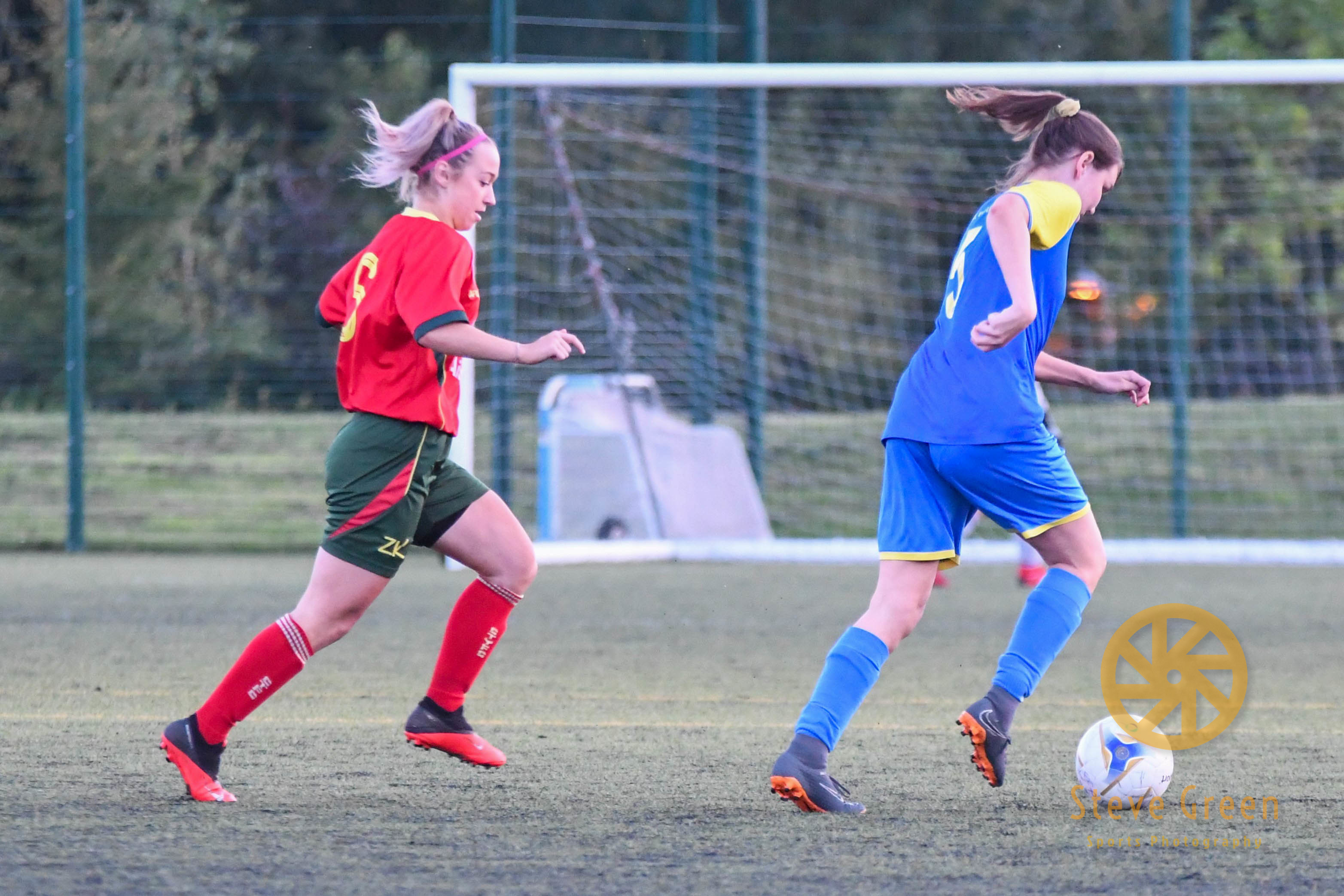Photos from Royal Wootton Bassett Town Ladies 1-1 draw with Carterton Town (Credit: Steve Green)