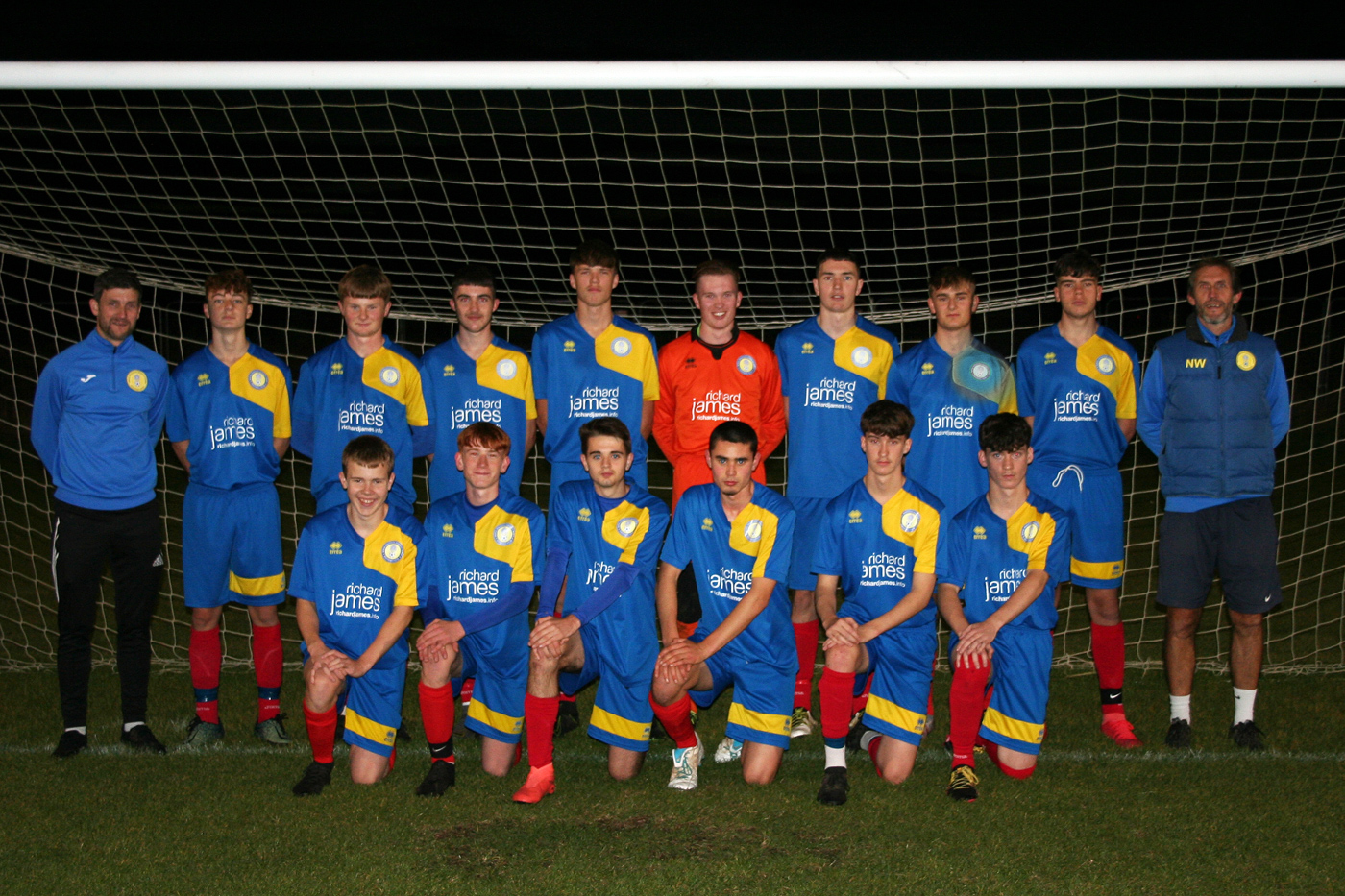 Under 18 Floodlit Team Photo